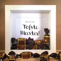 """'Toffees' in een fotolijstje  """"Voor de aller Tofste Meester/Juf!"""" #school #kado #afscheid #verjaardag #juf #meester"""