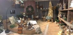 C'è un posto, vicino a casa, che mi da la possibilità di sentire la magia del Natale, prima ancora che lo sia. Un negozio speciale che ogni anno sa raccontare quali sono le tendenze, le novit…
