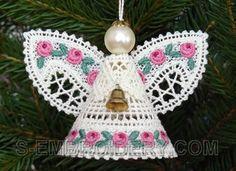 10522 Battenberg lace Christmas angel ornament