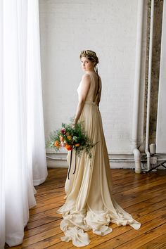 Inspired By the Dutch Masters - Lovely Bride  Photo by Emily Wren Photography  http://lovelybride.com/2016/03/12/inspired-by-the-dutch-masters/