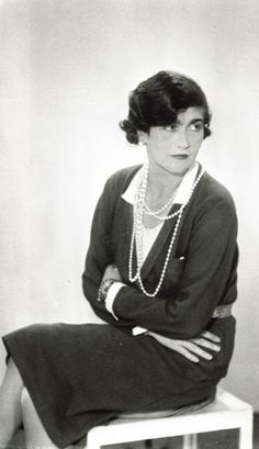 Gabrielle 'Coco' Chanel (47) - detail - 1930 - Paris - Photo by Man Ray - @~ Watsonette