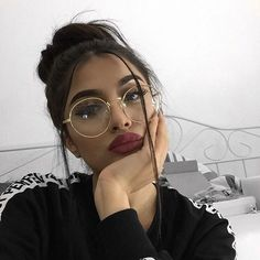 Trendy Glasses Girl Selfie Eyes 24 Ideas Trendy Glasses Girl Selfie Eyes 24 Ideas This image has get Makeup Goals, Beauty Makeup, Hair Makeup, Hair Beauty, Makeup Tips, Cute Glasses, Girls With Glasses, Makeup With Glasses, Circle Glasses