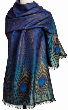 The shimmering design of the Tiffany Peacock Feather Shawl was inspired by the Louis Comfort Tiffany (American, Peacock Decor, Peacock Colors, Peacock Design, Peacock Feathers, Peacock Dress, Look Fashion, Womens Fashion, What To Wear, Fashion Accessories