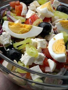 Ovcarska salata by mamamaja :) Appetizer Salads, Appetizer Recipes, Salad Recipes, Dessert Recipes, Desserts, Bosnian Recipes, Macedonian Food, Breakfast Crepes, Around The World Food