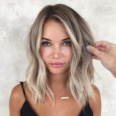 Balayage For Shoulder Length Hair ❤️ Let us guide you in the world of medium hair styles. We have a collection of the trendiest hairstyles for ladies with shoulder length hair. ❤️ hair lengths 30 Easy New Medium Hair Styles Long Hairstyles, Pretty Hairstyles, Hairstyle Ideas, Perfect Hairstyle, Wedding Hairstyles, Hairdos, Ladies Hairstyles, Braid Hairstyles, Hair Lengths