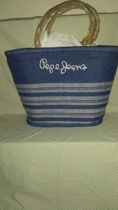 Je viens de mettre en vente cet article  : Sac XL en tissu Pepe Jeans 44,77 € https://www.videdressing.com/sacs-xl-en-tissu/pepe-jeans/p-7059153.html?utm_source=pinterest&utm_medium=pinterest_share&utm_campaign=FR_Femme_Sacs_Sacs+en+tissu_7059153_pinterest_share