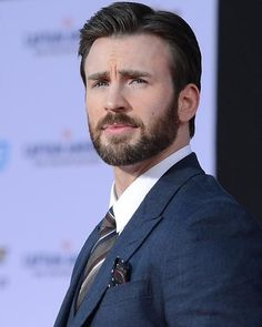"1,248 Likes, 7 Comments - We Love Chris Evans (@wlchrisevans) on Instagram: ""Boa noite gente, fiquem com esse homão 😂😍 • #ChrisEvans #CapitanAmerica #CapitaoAmerica…"""