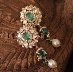 Emerald, Brooch, Jewellery, Fashion, Moda, Jewels, Fashion Styles, Brooches, Schmuck