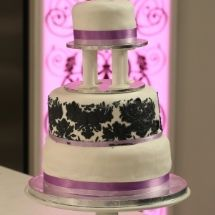 Esme's Chocolate Wedding Cake - unbelievable, a wedding cake that takes 1 hr prep, 25 mins... and tastes delicious!!