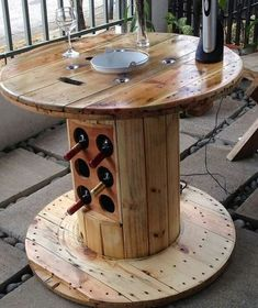 cable spool tables DIY Cable Spool Repurpose Ideas For Balcony Decoration - Balcony Decoration Ideas in Every Unique Detail Wooden Spool Projects, Wooden Spool Tables, Cable Spool Tables, Wooden Cable Spools, Spool Crafts, Wood Spool, Wood Projects, Woodworking Projects, Cable Spool Ideas