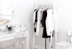 valkoinen vaaterekki