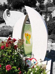 Grabstein mit Engel-Symbol