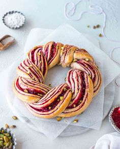 Raspberry and pistachio wreath recipe perfect for Christmas and gifting to loved ones! Easy to make, impressive and delicious. Vegan Baking Recipes, Vegan Dessert Recipes, Banana Bread Recipes, Vegan Breakfast Recipes, Sweets Recipes, Vegan Food, Pastry Recipes, Healthy Desserts, Vegetarian Recipes