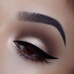 When it comes to eye make-up you need to think and then apply because eyes talk louder than words. The type of make-up that you apply on your eyes can talk loud about the type of person you really are. Eye Makeup Tips, Smokey Eye Makeup, Makeup Goals, Makeup Inspo, Makeup Inspiration, Beauty Makeup, Makeup Ideas, Brown Makeup, Makeup Style