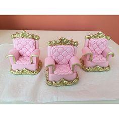 Poltronas de pão de mel e chocolate para uma verdadeira princesa. #benditosbrigadeiros #doces ...