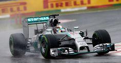 Movistar TV, Neox, Antena 3 y Eurosport ofrecen una amplia cobertura desde el circuito de Sochi. Sólo diez puntos separan a Lewis Hamilton de su 'compañero' Nico Rosberg. ¿Por quién apostáis? De momento, aquí os dejamos la agenda televisiva del fin de semana para que no perdáis detalle.