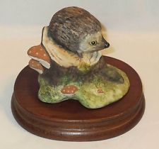 HEDGEHOG Figurine by Acorn, United Kingdom - HAND SIGNED by H. BOOTH