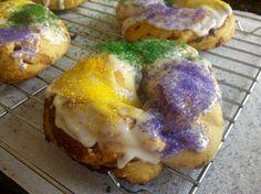 Mini King Cakes.. Semi Homemade, super easy!!