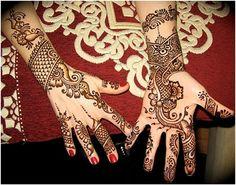 8 Stunning Bangle Mehndi Designs To Inspire You