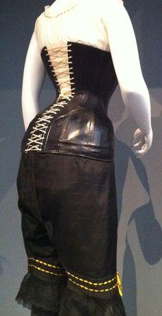 antique vintage corset::: I really like the pantalets Vintage Corset, Vintage Dresses, Vintage Outfits, Retro Fashion, Vintage Fashion, Retro Lingerie, Lace Tights, 20th Century Fashion, Posh Girl