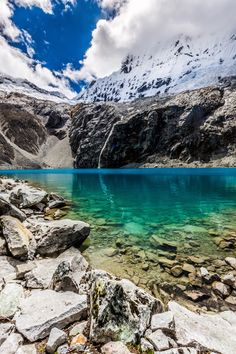 Laguna 69 Huascarán National Park Peru. [OC] [4000x6000] CouldEatAKnobAtNight http://ift.tt/2q3INqq May 19 2017 at 09:36AMon reddit.com/r/ EarthPorn