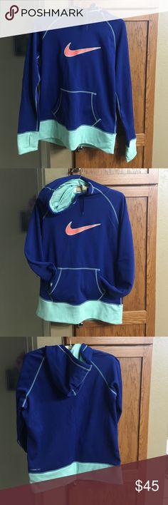 Nike thermafit sweatshirt Excellent used condition Nike Thermafit hoodie sweatshirt. Nike Tops Sweatshirts & Hoodies