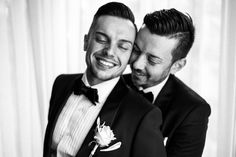 Each wedding couple is unique but it is at same sex weddings that the support of the family and friends is particularly visible.