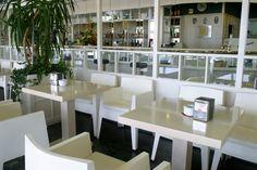 Ideas de #Cafeteria, Hotel, Bar, estilo #Contemporaneo color  #Blanco,  #Negro, diseñado por luz huerga de leon  #CajonDeIdeas