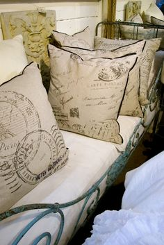 Love these toss pillows