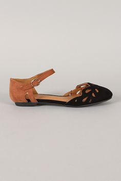 Qupid Palmer-64X Two Tone Ankle Strap Cut Out Flat