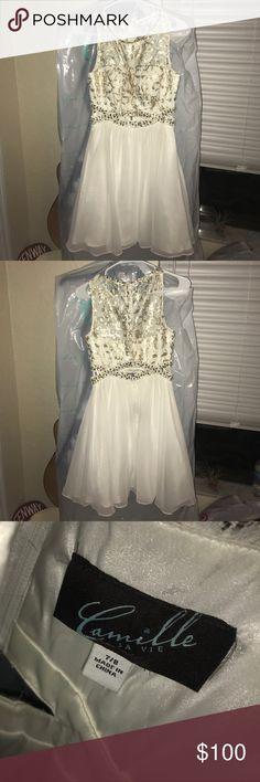 white homecoming dress! white homecoming dress with gold and silver sparkles - size 8/9!! camille la vie Dresses Midi