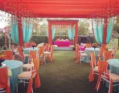 Perfect summery colours for mehendi Marriage Decoration, Engagement Decorations, Outdoor Wedding Decorations, Table Decorations, Indian Wedding Receptions, Wedding Mandap, Wedding Table, Mehndi Decor, Mandap Design