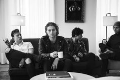"""Why does it look like Cal's a about to swing on Mikey, Ash is just like """"I dare you to do it Cal"""" and Luke's just like """"I so done with this band""""🤷🏻♀️😂 5 Seconds Of Summer, Calum Thomas Hood, Calum Hood, 5sos Pictures, 5sos Pics, 5sos Memes, Summer Photography, Summer Boy, Michael Clifford"""