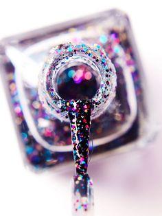 Glitzernagellack ganz leicht entfernen: Der ultimative Tipp! Nagellack Design, Girly, Tricks, Beauty Hacks, Sapphire, Hair Beauty, Nail Art, Nails, Jewelry