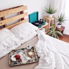 Lightweight Down Alternative Duvet Insert - Urban Outfitters