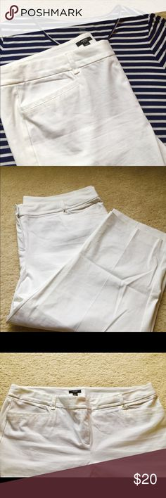 ALFANI Plus 22w white Capri Pants w Control Panel Awesome Cotton, Rayon, Spandex Blend White Capri pants size 22W with front Control panel. (keeps things from rolling ladies) Great for casual or dress. Snatch up now for next year!  Waist 25 in across, 13.5 in rise, 23.5 inseam Alfani Pants Capris