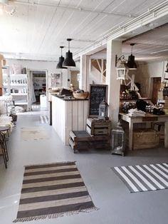 MRS JONES: SUVIMARJA Pallets, Crates, Farmhouse Decor, Boxes, Dining Table, Rustic, Decorating, Furniture, Home Decor