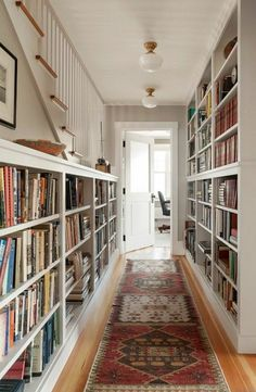 bibliothèque meuble blanc, couloir de maison moderne