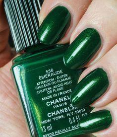 Blog über Nagellacke, Nailpolish, NailJunkie, Beauty, Cosmetics, Kosmetik, Swatches, Chanel, Essie, Manhattan, Nubar, China Glaze, OPI, Orly, Zoya,