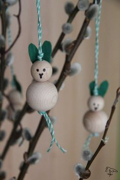 Osterhasen aus Holz Christmas Ornaments, Holiday Decor, Design, Home Decor, Diy Home Crafts, Easter Activities, Decoration Home, Room Decor, Christmas Jewelry