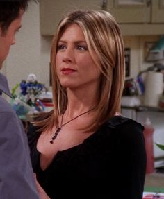 Jennifer Aniston looks gorgeous as Rachel Green on Friends Estilo Rachel Green, Rachel Green Hair, Rachel Green Style, Rachel Hair, Jennifer Aniston Style, Jenifer Aniston, Rachel Friends, Friends Tv, Dream Hair