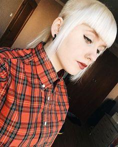 WEBSTA @ mikolajka_ -  #skinhead #oi #brutuslondon #shirt #skingirl #chelseacut #selfie