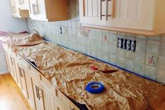 After moving into a new house and replacing the floors, Daria and Gabe decided it was finally time to tackle a new backsplash. While the kitchen was in great sh…