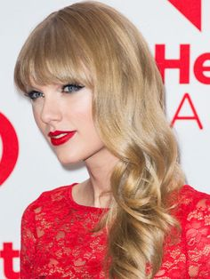 The Best Hairstyles For Every Length: Long hair: Taylor Swift