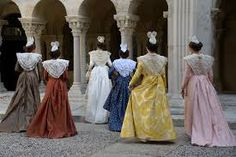 costume arlésienne - Recherche Google Bridesmaid Dresses, Wedding Dresses, Victorian, Costumes, Google, Fashion, Moda, Bridal Dresses, Costume