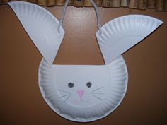 Paper plate rabbit activity from Making Learning Fun. Find it and more at www.makinglearningfun.com!