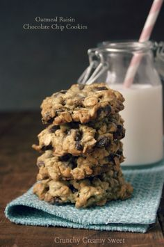 Oatmeal Raisin Chocolate Chip Cookies | CrunchyCreamySweet.com Thick, chewy and packed with flavor! You have to try them!
