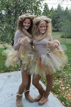 Womens Lion Diy Costume - How to make a lion costume. Next up in our diy sibling costumes. Homemade Lion Costume Ideas Carnival Costumes Lion Costume Dressing up as the king of. Lion Halloween Costume, Lion King Costume, Halloween Costumes For Teens, Diy Lion Costume, Animal Costumes Diy, Lioness Costume Diy, Party Animal Costume, Reindeer Costume, Circus Costume