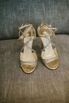 Jimmy Choo Bridal Shoes | Ritva Westenius Gatsby Bridal Gown | Australian Outback Themed Wedding at The Loft Studios London | Rebel Rebel Flowers | Ellie Gillard Photography | http://www.rockmywedding.co.uk/evie-rob/