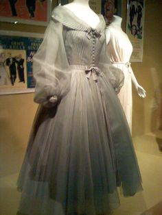 Grace Kelly #3 - Page 2 - the Fashion Spot